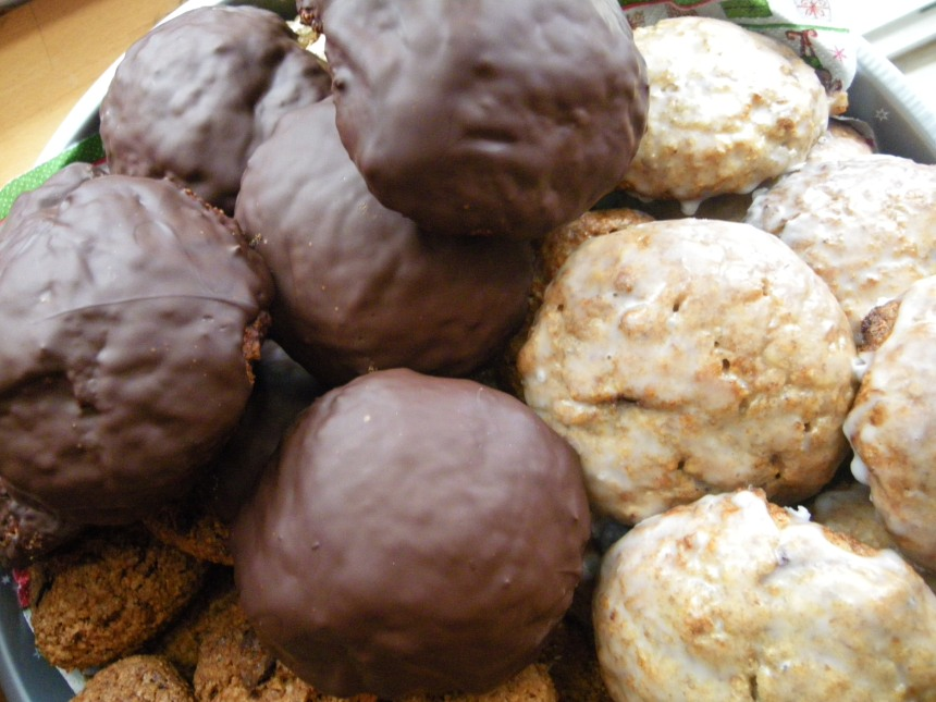 Lebkuchen with chocolate and sugar icing